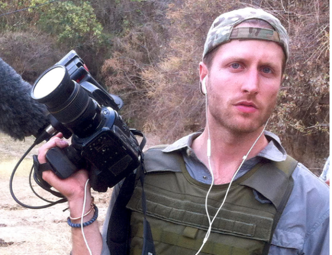 matthew-heineman-director-of-cartel-land.59.5020PM.png